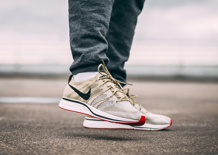 Nike Flyknit Trainer Neutral Olive